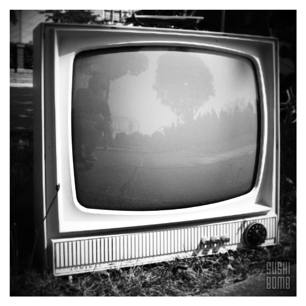 abandoned_tv_retro_random