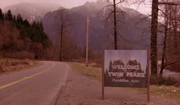 twin-peaks-welcome-sign