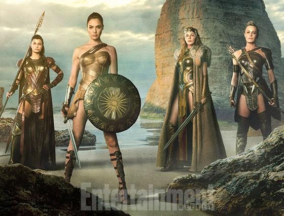 Amazon-Wonder-Woman-560