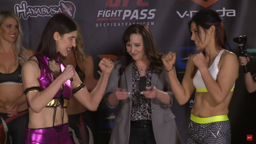 invicta_fc_16_cosplay_weighin4