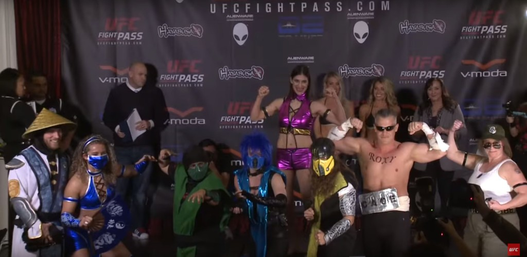 invicta_fc_16_cosplay_weighin9